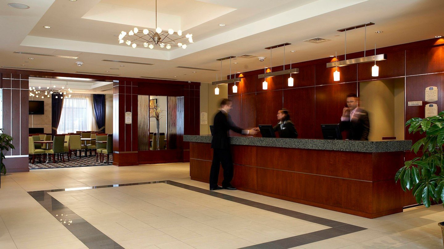 Marriott Fairfield Inn  Suites Montreal Aeroport  2402
